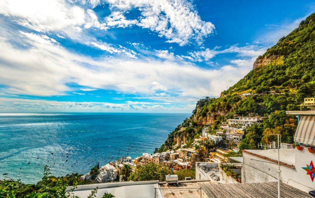Blick auf die Küste von Positano